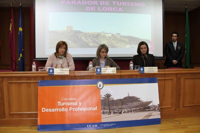 La senadora del Partido Popular por Murcia, Mª José Nicolás, ha intervenido en unas jornadas sobre turismo - 1, Foto 1