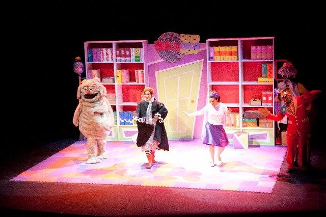 Escolares de Totana disfrutarán mañana de la comedia musical Violeta y Pantagruel en el teatro del Centro Sociocultural La Cárcel - 1, Foto 1