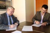 El Ayuntamiento y ASPADEM firman un convenio para el mantenimiento de la piscina de la asociación