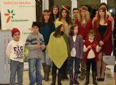La coordinadora de Mujeres Aymaras de Perú muestra en San Pedro la colección 'Hilando futuro'