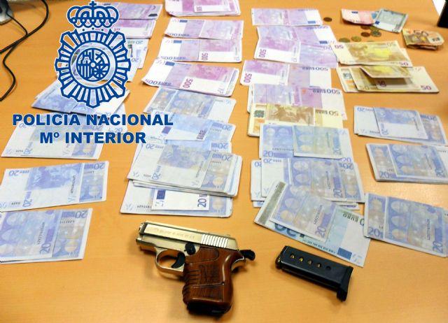 La Policía Nacional intercepta en un control a tres jóvenes con una pistola y 27.500 euros en moneda falsificada - 1, Foto 1
