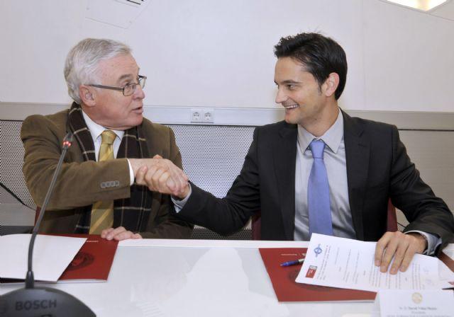 La Universidad de Murcia firma un convenio para la formación en materia deportiva - 3, Foto 3