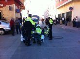 Herido un agente de la Policía Local que fue atropellado por un vehículo al no ceder el paso a la derecha en la zona de La Turra