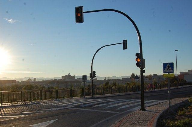 Alguazas mejora la seguridad vial estrenando semáforo en el tramo urbano de la Carretera de Ceutí - 1, Foto 1