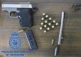 La Policía Nacional detiene en Beniaján a un vecino del municipio al que se le intervienen diversas cantidades de droga y armas