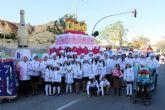 El desfile de carrozas inunda Mazarrón de color en una espléndida mañana