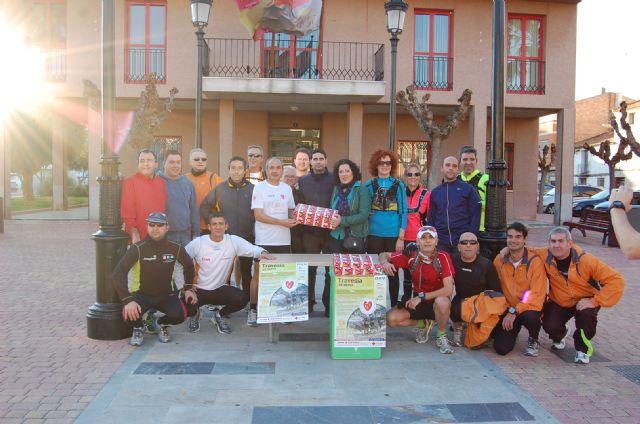 Una veintena de corredores profesionales y aficionados recogen juguetes para los niños necesitados de Alguazas - 1, Foto 1