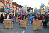 Las carrozas llenaron de color la tarde del  sábado