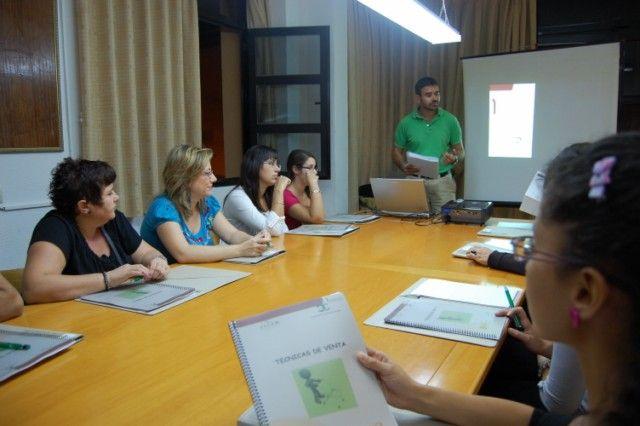 Cerca de 200 vecinos de Alguazas se beneficiarán este 2013 de la oferta de cursos formativos promovidos por el Ayuntamiento - 1, Foto 1