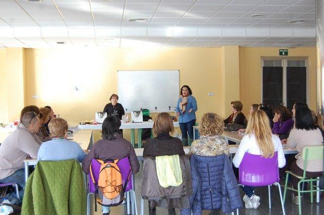 Cerca de un centenar de mujeres de Alguazas participan en el curso gratuito de cocina navideña thermomix - 3, Foto 3
