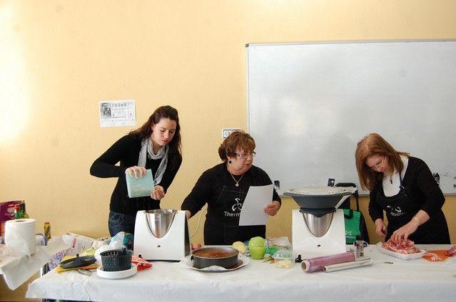 Cerca de un centenar de mujeres de Alguazas participan en el curso gratuito de cocina navideña thermomix - 4, Foto 4