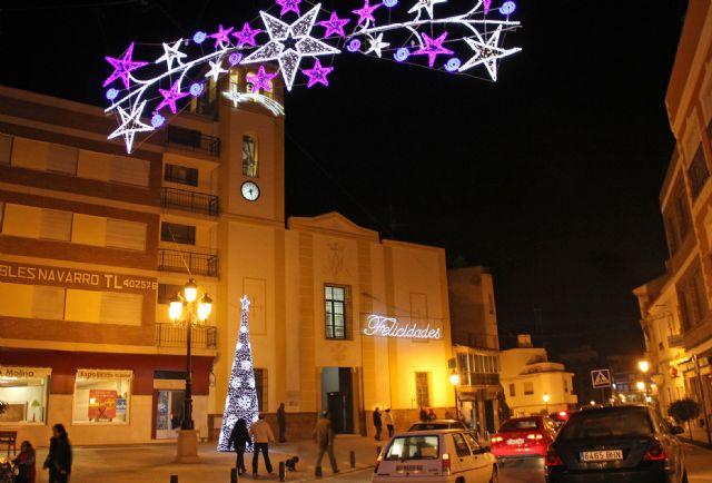 Las luces navideñas iluminan el centro de Puerto Lumbreras con iluminación led para favorecer el ahorro energético - 1, Foto 1