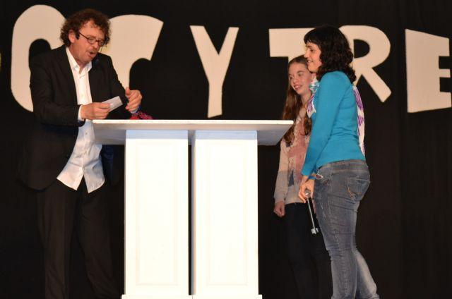 Sonia y Yara Galindo ganan 1.000 euros en el concurso Una, Dos y Tres... jugar, reír y ganar comprando en San Pedro del Pinatar - 1, Foto 1