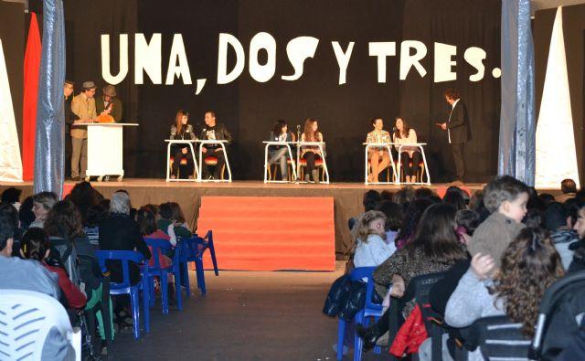 Sonia y Yara Galindo ganan 1.000 euros en el concurso Una, Dos y Tres... jugar, reír y ganar comprando en San Pedro del Pinatar - 2, Foto 2