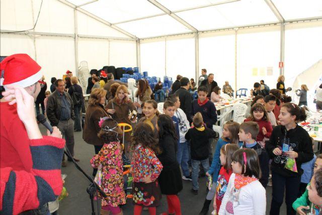 Decenas de niños participan en el IV concurso de Christmas navideños organizado por La Llana - 1, Foto 1