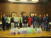 El equipo de gobierno dona 100 kilos de alimentos
