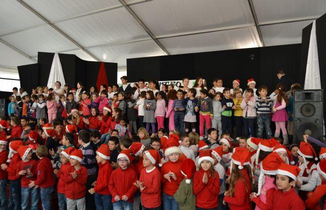 Más de 200 niños de siete colegios pinatarenses participan en el I Encuentro de Villancicos escolares - 1, Foto 1