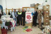 La Policía Local entrega a Cáritas más de 1.200 prendas fruto de los decomisos