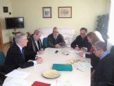 El Ayuntamiento entrega a instituciones benéficas los 5.600 euros donados por la Caixa
