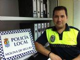 Un policía local de Molina de Segura imparte una conferencia sobre seguridad vial en la Base Aérea de Alcantarilla