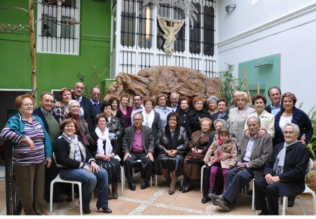 Cerca de 100 abuelos y abuelas lumbrerenses felicitan la Navidad con un vídeo sobre las tradiciones navideñas en el municipio - 2, Foto 2