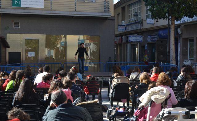 Cuentacuentos en la Plaza de España para los más pequeños - 1, Foto 1