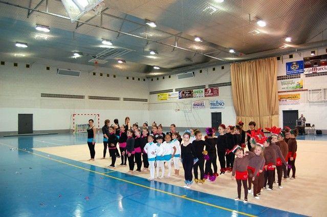 La gimnasia rítmica irrumpe con éxito en la agenda deportiva navideña de Alguazas - 1, Foto 1