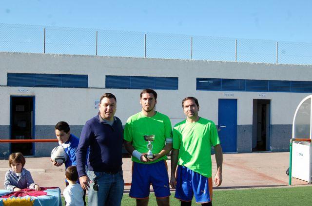 Un ambiente de compañerismo y juego limpio preside el Trofeo de Navidad de Fútbol Veteranos Villa de Alguazas - 1, Foto 1