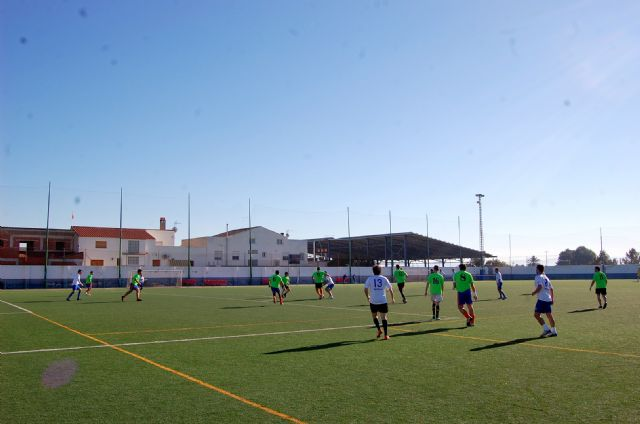 Un ambiente de compañerismo y juego limpio preside el Trofeo de Navidad de Fútbol Veteranos Villa de Alguazas - 3, Foto 3