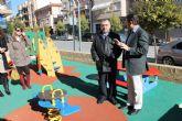 El consejero de Presidencia inaugura un nuevo jardín y conoce las obras de acondicionamiento de otras áreas recreativas