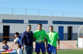 Un ambiente de compañerismo y juego limpio preside el Trofeo de Navidad de Fútbol Veteranos 'Villa de Alguazas'