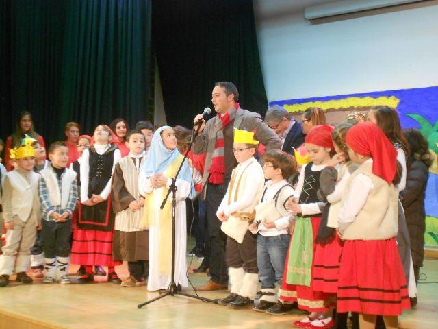 Más de 60 niños y niñas de Puente Tocinos participan en el V Taller-Ludoteca organizado por la Asociación Amigos del Belén - 1, Foto 1