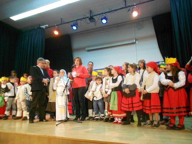 Más de 60 niños y niñas de Puente Tocinos participan en el V Taller-Ludoteca organizado por la Asociación Amigos del Belén - 2, Foto 2