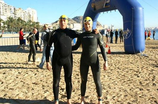 Dos totaneros participaron en la XX Travesía de Navidad a nado en Alicante - 4, Foto 4