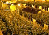La Guardia Civil desmantela una gran plantación 'domiciliaria' de marihuana que había dejado sin suministro eléctrico a sus vecinos