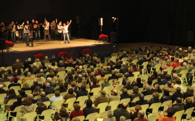 El cantaor Curro Piñana y el Tío Juan Rita participaron en el Encuentro de Cuadrillas Solidario de Navidad celebrado en Puerto Lumbreras - 1, Foto 1