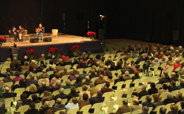 El cantaor Curro Piñana y el Tío Juan Rita participaron en el Encuentro de Cuadrillas Solidario de Navidad celebrado en Puerto Lumbreras - 3, Foto 3
