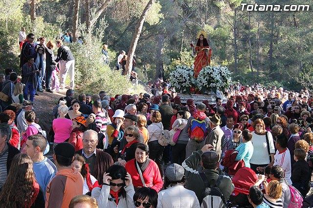M�s de 22.000 personas acompañan a Santa Eulalia, patrona de Totana, en romer�a en el regreso a su ermita de Sierra Espuña, Foto 1