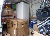 La Guardia Civil detiene a dos personas por la sustracción de gran cantidad de electrodomésticos de su trabajo