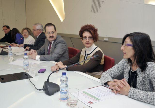 La Universidad de Murcia desarrollará proyectos de cuidado de la salud visual - 1, Foto 1