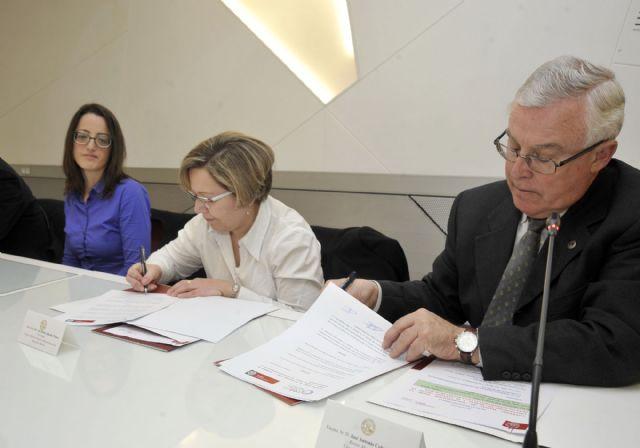 La Universidad de Murcia desarrollará proyectos de cuidado de la salud visual - 4, Foto 4