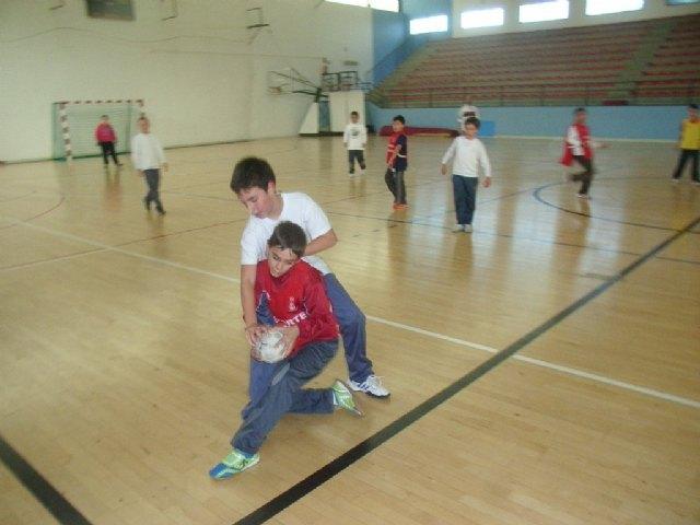 La concejal�a de Deportes organizo la primera jornada de la fase local de balonmano alev�n de deporte escolar, Foto 2