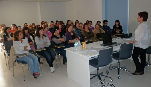 El Centro de la Mujer registra 3.000 usuarios durante el último año - 2, Foto 2