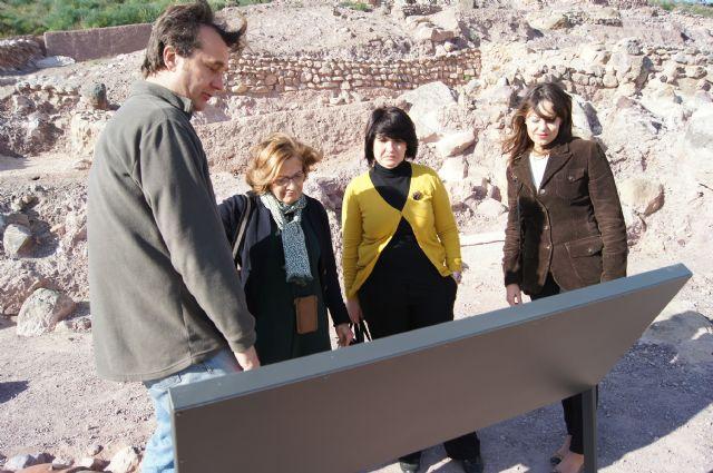 La eurodiputada murciana Cristina Guti�rrez-Cortines visita el yacimiento arg�rico de La Bastida, Foto 2