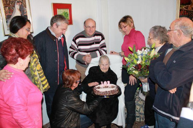 La vecina Ana Blaya raja cumple 103 años, Foto 1