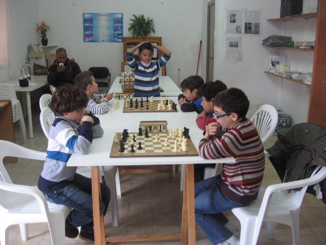 Juan Francisco Morales se impone en la fase municipal de ajedrez de Deporte Escolar, Foto 1