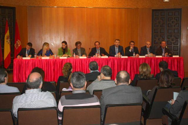 El Ayuntamiento presenta iniciativas para revitalizar la actividad comercial y el empleo - 1, Foto 1