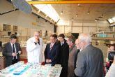 Lassalle visita ARQUA para conocer los trabajos de restauración del patrimonio de La Mercedes