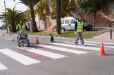 Realizan trabajos de repintado de la señalización horizontal en las principales calles del casco urbano