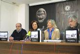 La exposición  'Pescadores', que recoge la historia de la pesca en Santiago de la Ribera,  se puede ver desde ayer en Jumilla
